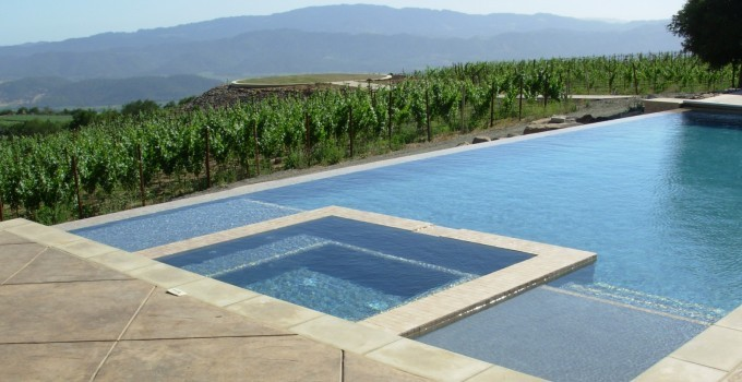 Vanishing Edge Pool With Spa And Automatic Pool Cover System